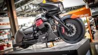 """Milānā notiekošajā motošovā """"EICMA-2014"""" koncerna """"Piaggio"""" stenda """"Moto Guzzi"""" sektora centrā ir aplūkojams visnotaļ atraktīvs koncepts """"MGX-21"""". Tas ir visnotaļ..."""