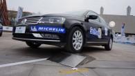 """Franču kompānija """"Michelin"""" ir izrādījusi savu jaunāko izstrādni – riepu """"Selfseal"""", kura pati spēj """"sadziedēt"""" brauciena laikā radušos caurumus. Eiropas..."""
