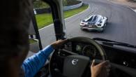 Volvo FH versus Koenigsegg 04