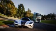 Volvo FH versus Koenigsegg 06