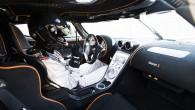 Volvo FH versus Koenigsegg 09
