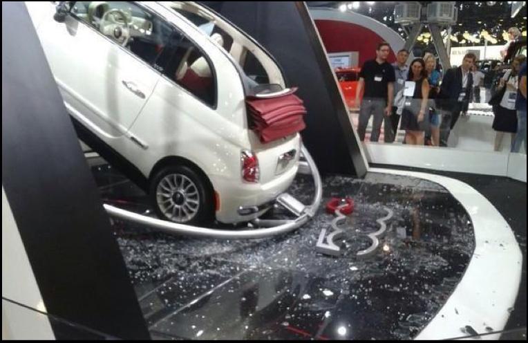 fiat-500-crashes-through-glass-display-at-sao-paulo-auto-show_2