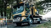 """Populārajam """"Volvo"""" vidējās tonnāžas piegādes automobilim """"FL"""" tagad ir pieejama arī modifikācija ar visiem velkošajiem riteņiem un paaugstinātu klīrensu. Jaunais..."""