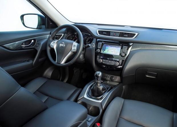 11-Nissan X-Trail 2014