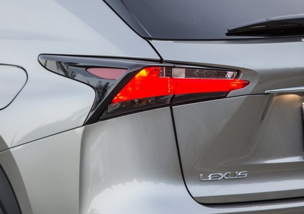 12-Lexus NX 350Hybrid
