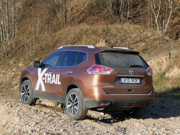 23-Nissan X-Trail 2014
