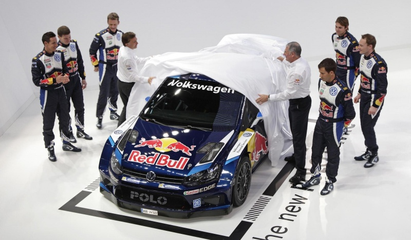volkswagen-unveils-2015-polo-r-wrc-with-dark-blue-livery_3