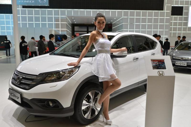 car-show-girls-01