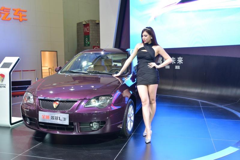 car-show-girls-12