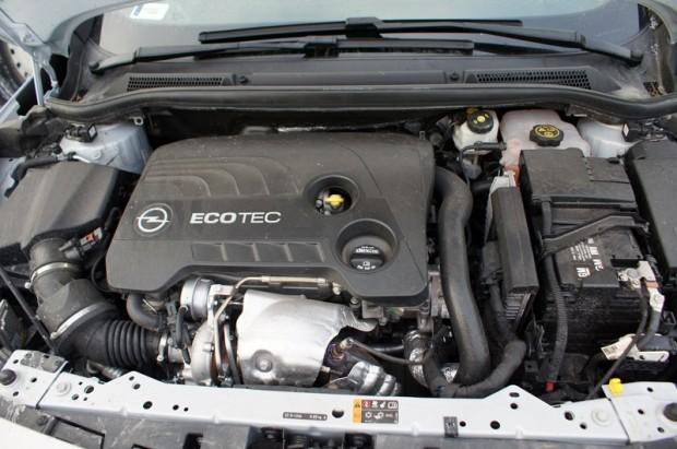 6-Opel Astra GTC 2.0_Latvija 06.02.2015 080