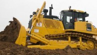"""Pazīstamais celtniecības tehnikas ražotājs """"Komatsu America Corp."""" ir paplašinājis savu """"gudro"""" traktoru saimi, pievienojot tai """"D155AXi-8"""" – šobrīd lielāko pasaulē..."""