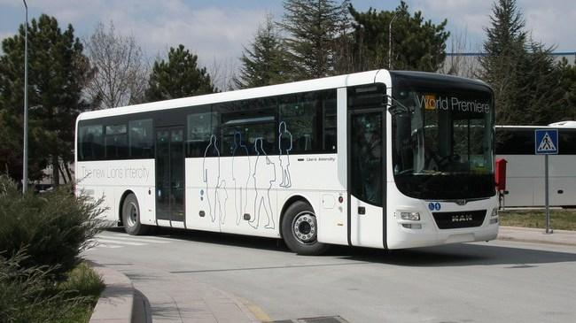 man_prezentoval_avtobus_lions_intercity_2