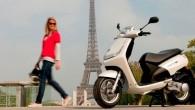 """Franču kompānijas """"Peugeot"""" mototehnikas nodaļa ir laidusi klajā populārā skūtera """"Vivacity"""" sportisko versiju, kas modeļa nosaukumā ieguvusi zīmīgo paplašinājumu """"RS""""...."""