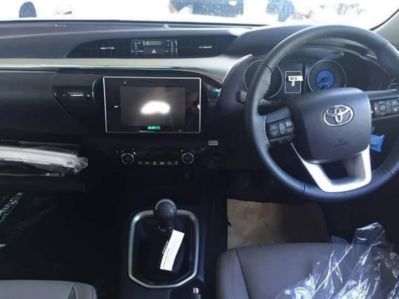 Toyota_hilux_3