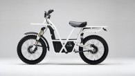 """Vairumā gadījumu elektriskie motocikli veidoti pēc līdzīgas kompozīcijas, taču jaunzēlandiešu Entonija Slaida un Derila Nīla darinātais """"Ubco 2×2"""" ir pavisam..."""