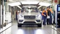 """Lai apmierinātu augošo pieprasījumu pēc jaunās paaudzes """"Volvo XC90"""", zviedru kompānijas montāžas rūpnīca Torslandē sākusi strādāt trīs maiņās. Ražošanas paplašināšanai..."""