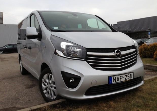 53-Renault Trafic_Opel Vivaro 2015