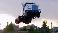 """Izrādās, ka amerikāņiem ir tāda ekstravaganta """"auto vieglatlētikas"""" disciplīna kā tāllēkšana ar kravas automobiļiem. Un nupat kā viens no šīs..."""