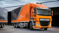 """Nīderlandes kravas automobiļu ražotājs """"DAF Trucks N.V."""" ziņo, ka sākot ar novembri arī """"CF"""" saimes trīsasu modeļiem būs pieejams jaunās..."""