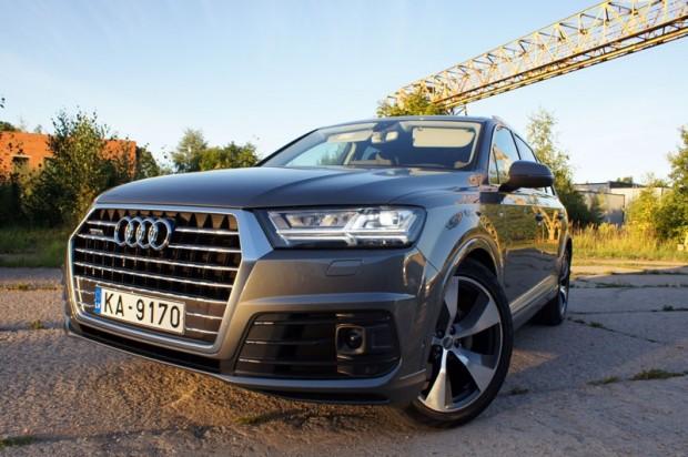 19-Audi Q7_15.08.2015.