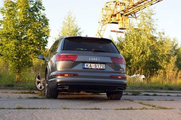 28-Audi Q7_15.08.2015.