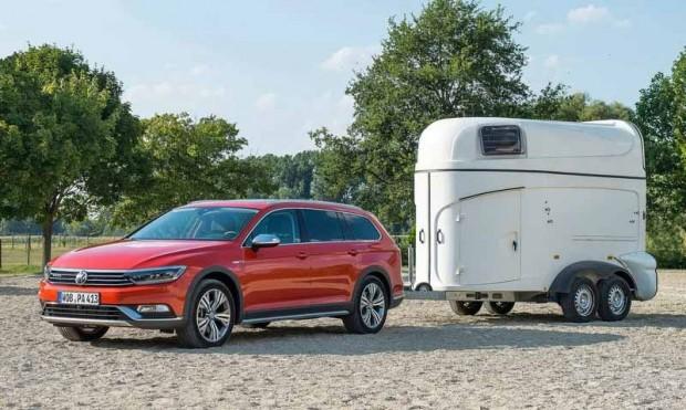 Volkswagen-Passat_Alltrack_2016_800x600_wallpaper_09