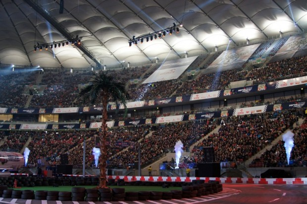 Stadion Narodowy ir visnotaļ iespaidīgs