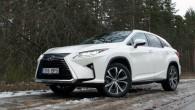 """Februāra sākumā teju nedēļu """"AutoMedia.lv"""" pavadīja """"Lexus"""" zīmē, vienu pēc otra izmēģinot divus dažādus modeļus – RX un IS, kuru..."""