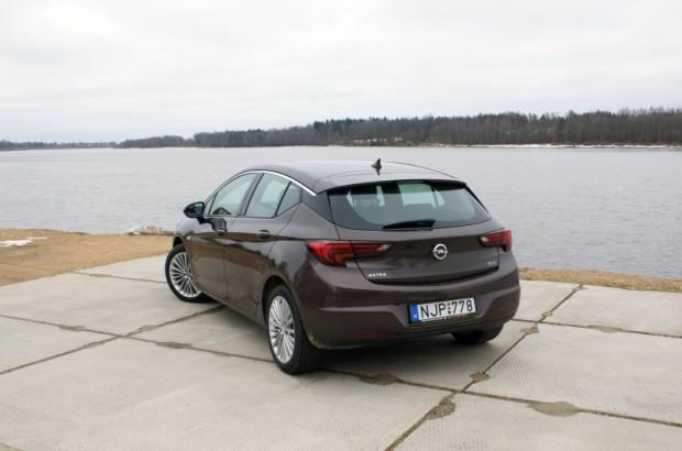 23-Opel Astra