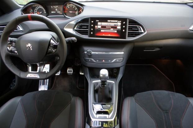 22-Peugeot 308 GTi