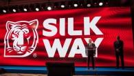 """Piektdien, 8.jūlijā Maskavā tiks dots starts vienam no mūsdienu garākajiem un grūtākajiem pasaules rallijreidiem """"Silk Way Rally"""". Pēc gandrīz 11..."""
