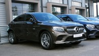 """Pirmdien, 19. septembrī, """"Mercedes-Benz"""" pilnvarotais pārstāvis """"Domenikss"""" Rīgā mediju pārstāvjiem prezentēja sportisko apvidus auto """"GLC Coupe"""". Jaunais auto apvieno apvidus..."""