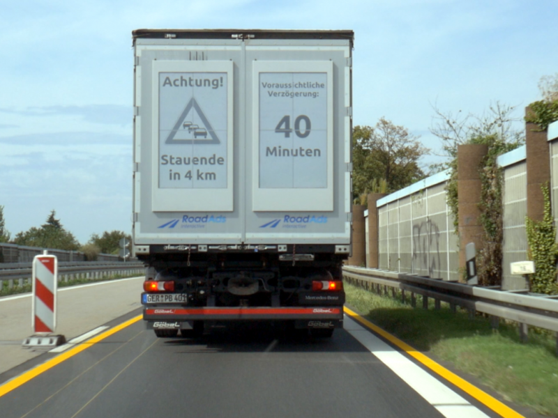 traffic-warning_electronic-paper-truck-display