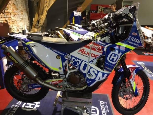 """""""Dakar Team Estonia"""" motobraucēji startē ar """"Husqvarna"""" motocikliem"""
