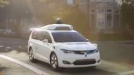 """Īsi pirms Ziemassvētkiem informācijas tehnoloģiju gigants """"Google"""" oficiāli atklāja pirmos sava topošā bezpilota automobiļa attēlus un paziņoja tā nosaukumu –..."""