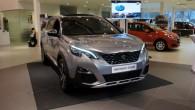 """Otrdien, 24.janvārī Rīgas autosalonā """" Forum Auto"""" pirmo reizi Latvijā tika demonstrēts jaunais septiņvietīgais krosovers""""Peugeot 5008"""", vienlaicīgi atklājot jaunuma cenas..."""
