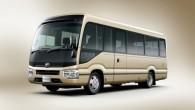 """23 gadus pēc iepriekšējā modeļa pirmizrādes japāņu ražotājs """"Toyota"""" visbeidzot laiž klajā vidējās klases autobusiņa """"Coaster"""" ceturto paaudzi. Mūsu Dievzemītes..."""