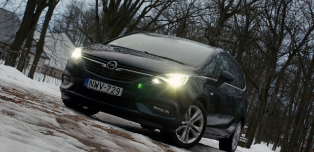 1-Opel Zafira with OnStar