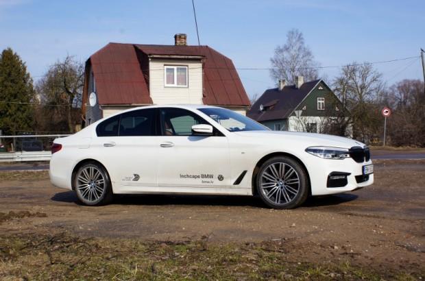 21-BMW 530d xDrive