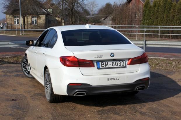 22-BMW 530d xDrive