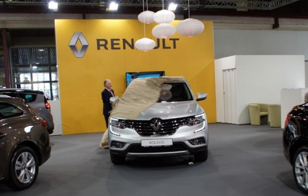 """Par vienu no izstādes """"karstākajiem"""" jaunumiem uzskatāms krosovers """"Renault Koleos"""""""