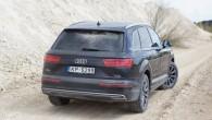 12-Audi Q7 e-tron