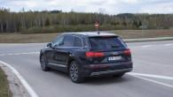 14-Audi Q7 e-tron