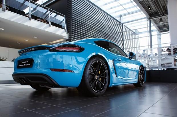 27-Porsche Exclusive Manufaktur