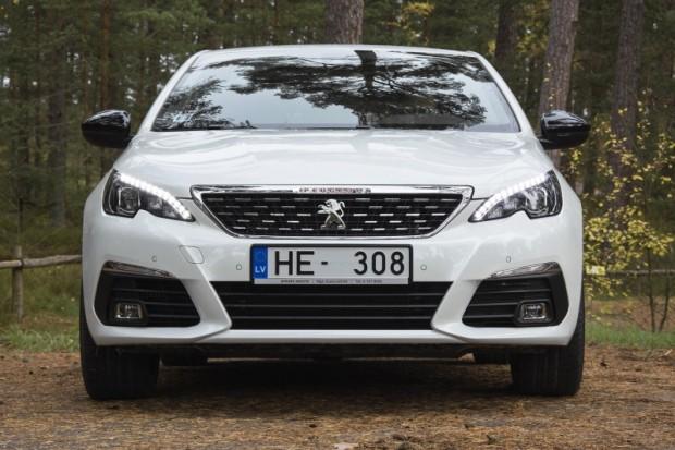 31-Peugeot 308