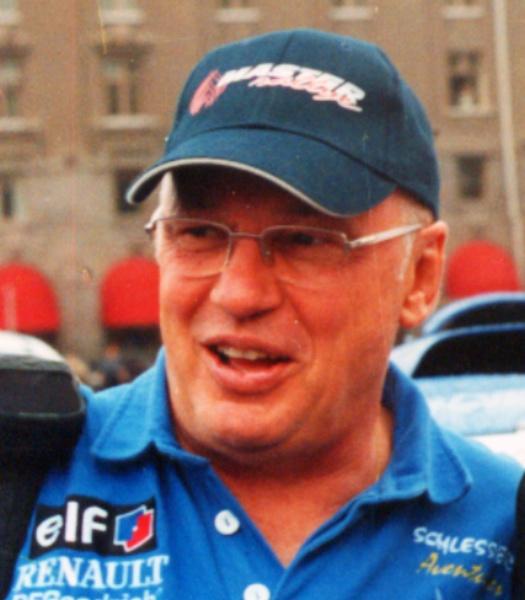 Žans Luī Šlesērs - leģenda, ar kuru plecu pie pleca Latvijas braucēji i2002.gadā uzsāka ceļu uz Dakaru