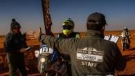 Ceturtdien, 11.janvārī, uzvarot Africa Race 9.etapā, Krievijas ekipāža Vladimirs Vasiļjevs/Konstantīns Žiļcovs saglabāja intrigu automobiļu ieskaites kopvērtējumā. Savukārt norvēģu veterāns Pals...