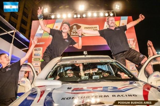 Oļegs Uperenko un Sergejs Šokotarovs Dakar Rally 2017 finišā