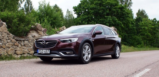 1-Opel Insignia Country Tourer
