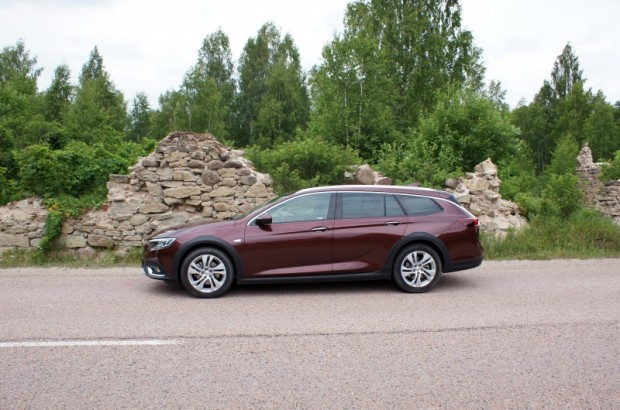 13-Opel Insignia Country Tourer